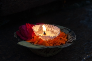 dreamstime_m_54809040-candle flower bowl